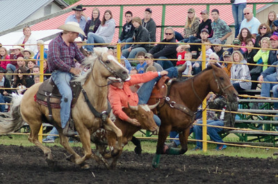 steer_wrestling_sunday_14-5711