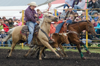 steer_wrestling_sunday_14-5710