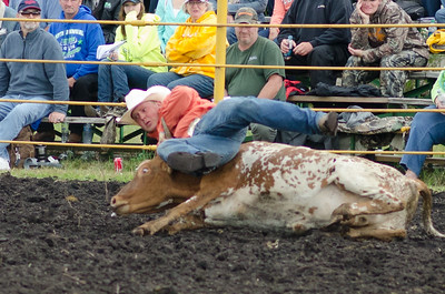 steer_wrestling_sunday_14-5720