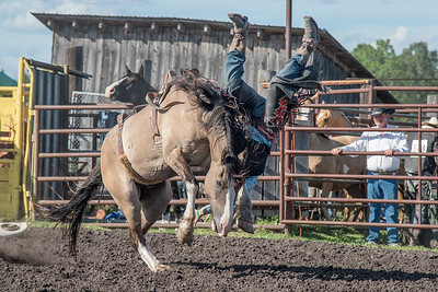 2016 rodeo friday broncs-2668