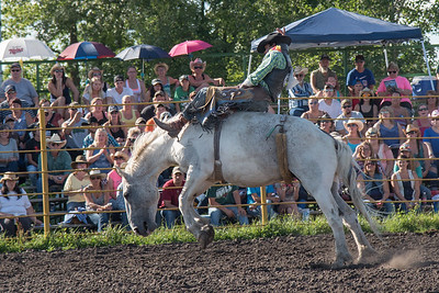 2016 rodeo friday broncs-2698