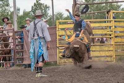 2016 rodeo saturday bulls-4211