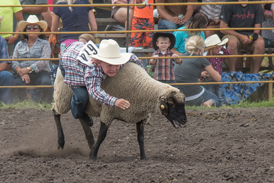 2016 rodeo saturday mutton busting-3924