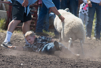 2016 rodeo sunday mutton busting-4989