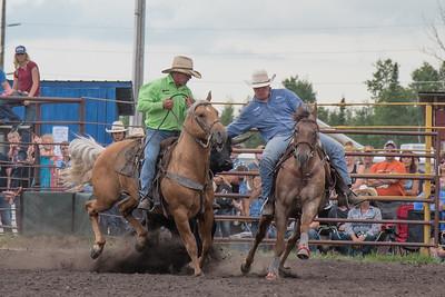 2016 rodeo saturday steer wrestling-4113