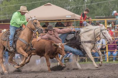 2016 rodeo saturday steer wrestling-4117