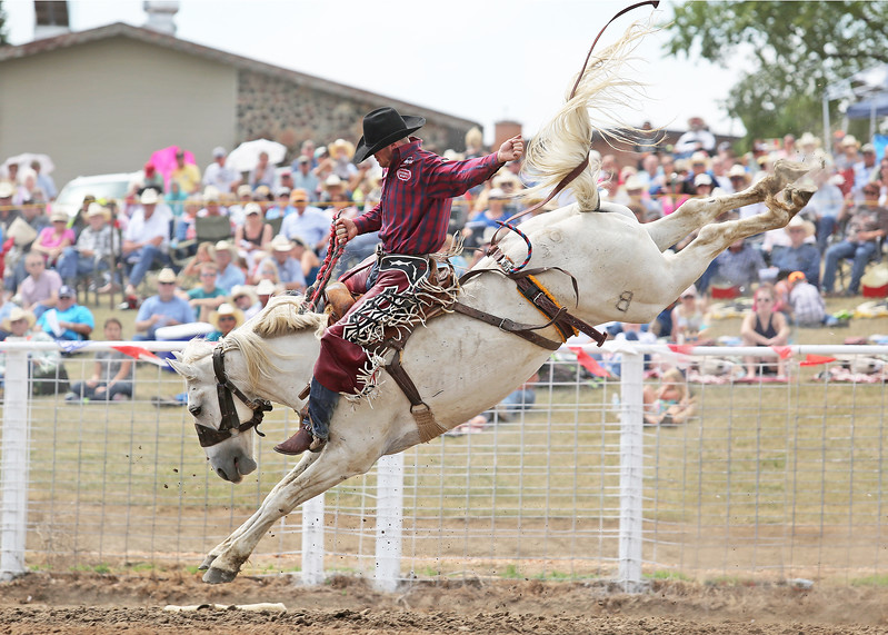 """Sterling Crawley from Stephenville, TX on Baily Pro Rodeo's """"Boozer"""""""
