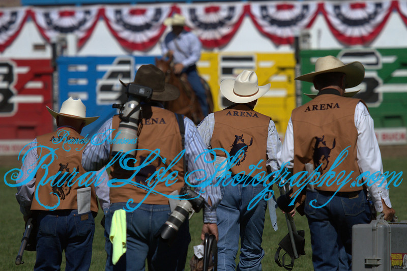 4000<br /> PRCA Photographers<br /> This is the vest I need to shoot in the arena.