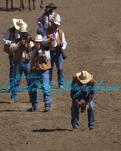 4343<br /> PRCA Photographers working the arena