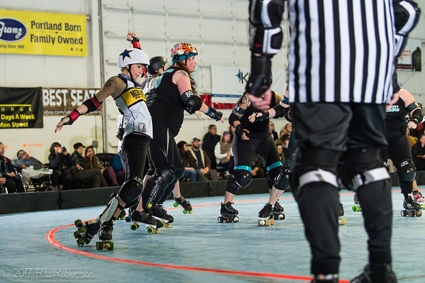 2017/11/12 Morgantown Roller Vixens vs RCR Wreckers