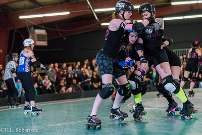 Sockit Wenches_vs_Guns_n_Rollers-13