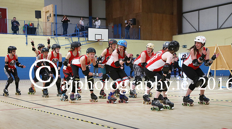 EEEjob 28/05/2016  SPORT/SOCIAL Pictured at the Roller Derby held in Little Island, Cork, The Cork Firebird's team introduce themselves to the crowd pre-match. Picture: Andy Jay