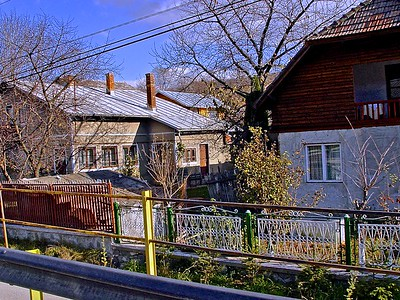 Examples of Romanian Houses Along The Road to Barsov