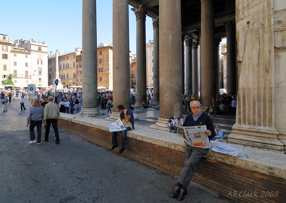 Sunday morning paper at the Pantheon