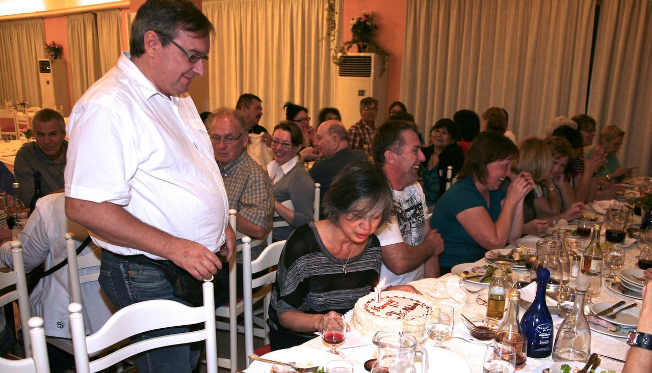 Anniversaire de Tam, Salle à manger de l'autel Regent à Pescara.