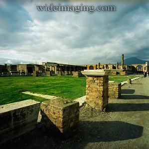 Pompeii 2003. View of the Forum toward Vesuvius.