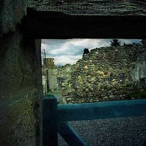 Pompeii doorway vista, December 29, 2003.