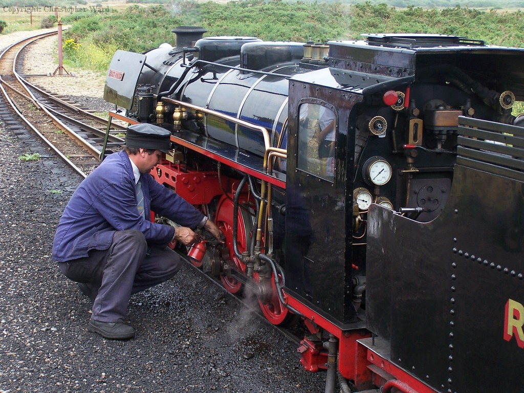 The driver tends to Black Prince