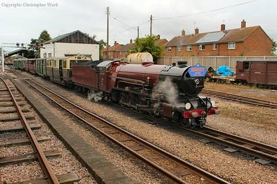 Hercules makes light work of her shortened train