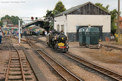 Doctor Syn reverses onto the stock for another train to Dymchurch