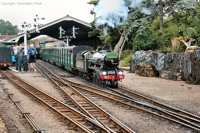 Northern Chief pulls away with a Hythe working