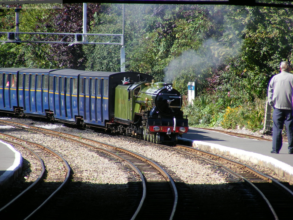 Green Goddess arrives at a sun-drenched Hythe