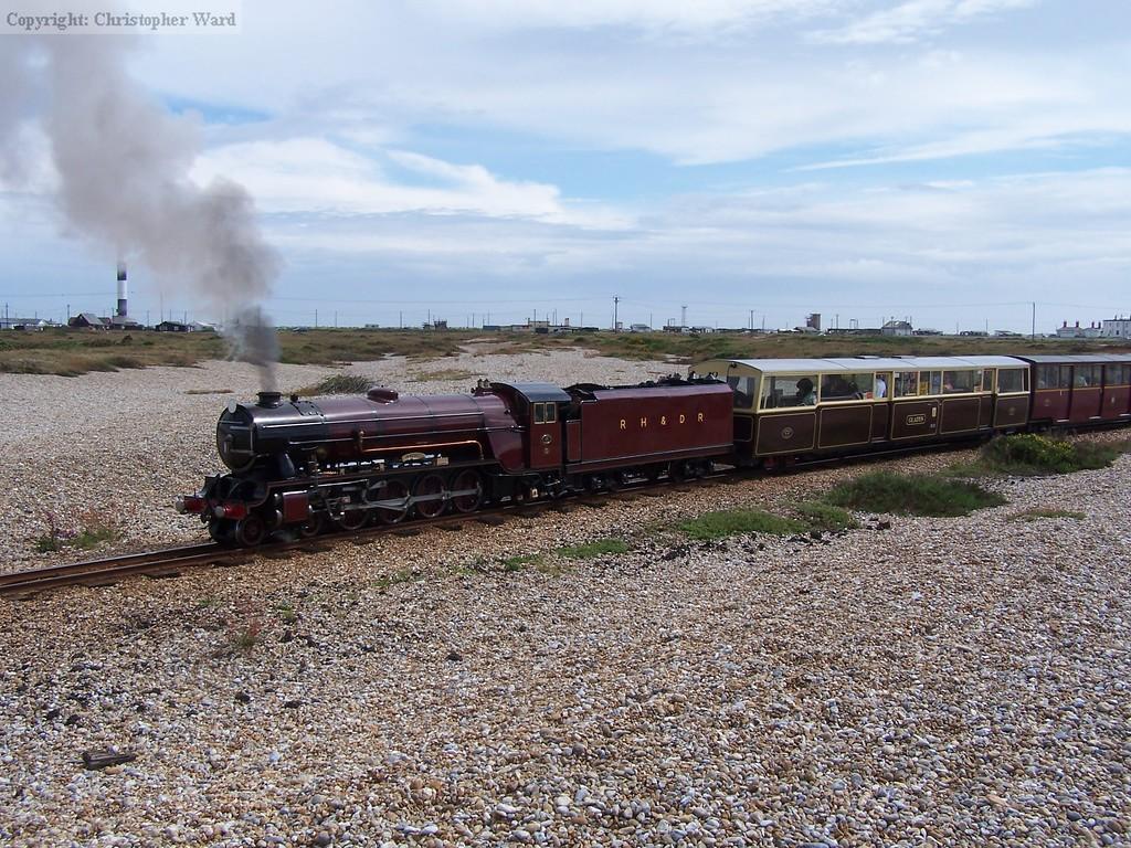 Hercules brings its train round the loop