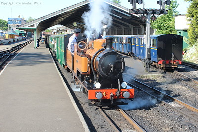 The Bug prepares for the Sunday morning parallel run at New Romney