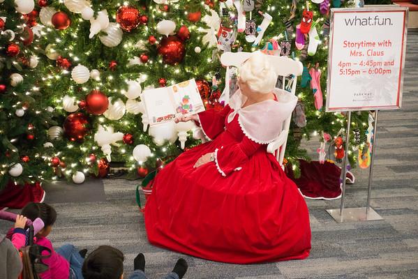 Parkway Plaza Christmas 2016-01672