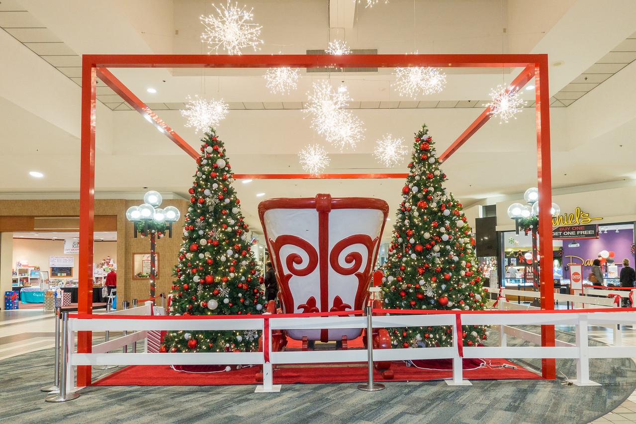 Parkway Plaza Christmas 2016-01678
