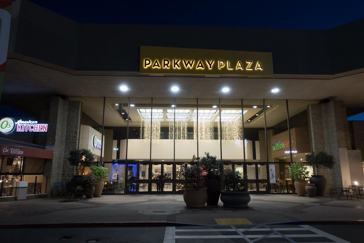Parkway Plaza Christmas 2016-01662