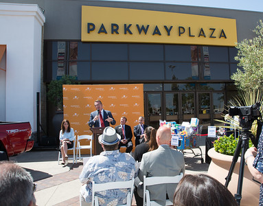 Parkway Plaza Tax Day-24715