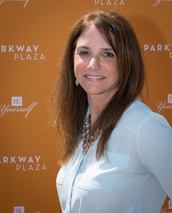 Parkway Plaza Tax Day-24761