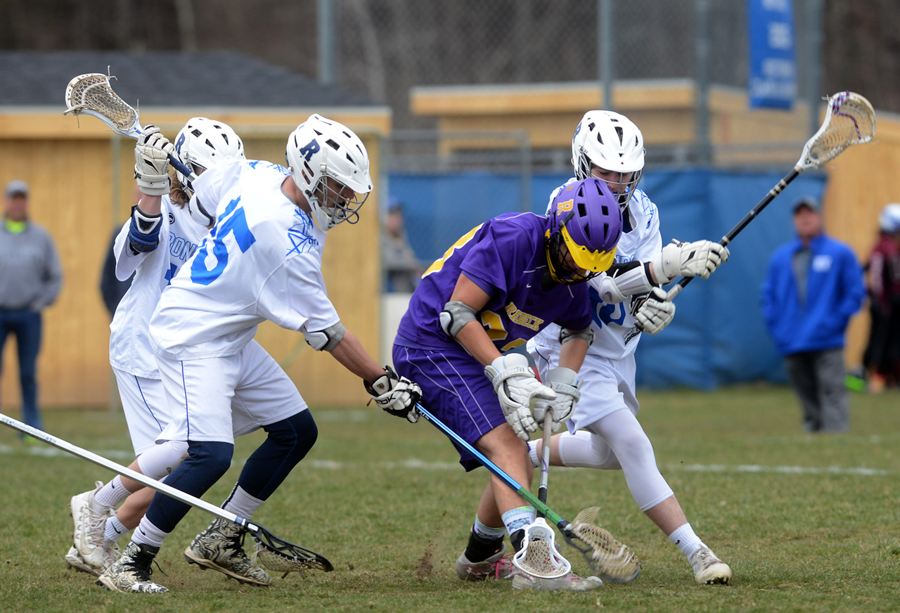 Tania Barricklo-Daily Freeman    Rondout's Nitya Cohen, left, Rhinebeck's Cole Arico, ad Rondout's Dylan Dubitsky