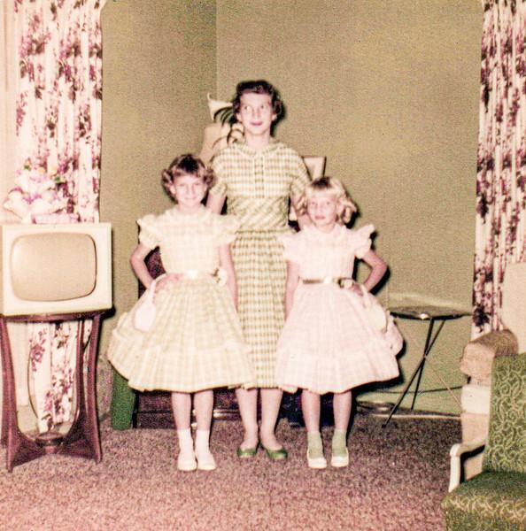 1957 Charlotte, Victoria & Tamara on Easter_0002_a-EIP (Adjusted)