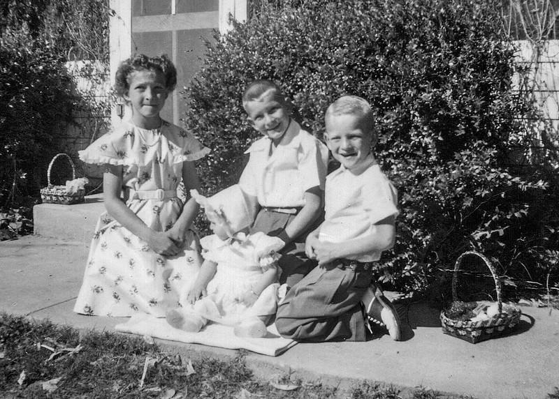 1950 Charlotte, Nollie, Ron & Victoria_0002-EIP (Adjusted)