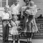1952 Charlotte, Nollie, Ron, Victoria & Tamara on Easter_0010 (Adjusted)