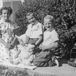 1950 Charlotte, Nollie, Ron & Victoria on Easter_0010 (Adjusted)