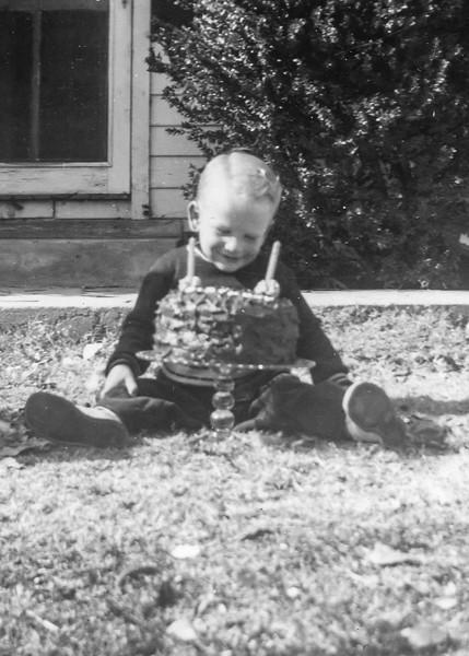 1947-01 Ron's Birthday_0001 (Adjusted)