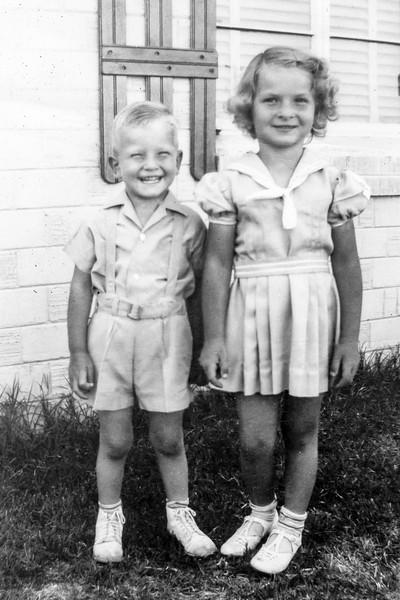 1944c Charlotte & Nollie_0001-EIP (Adjusted)