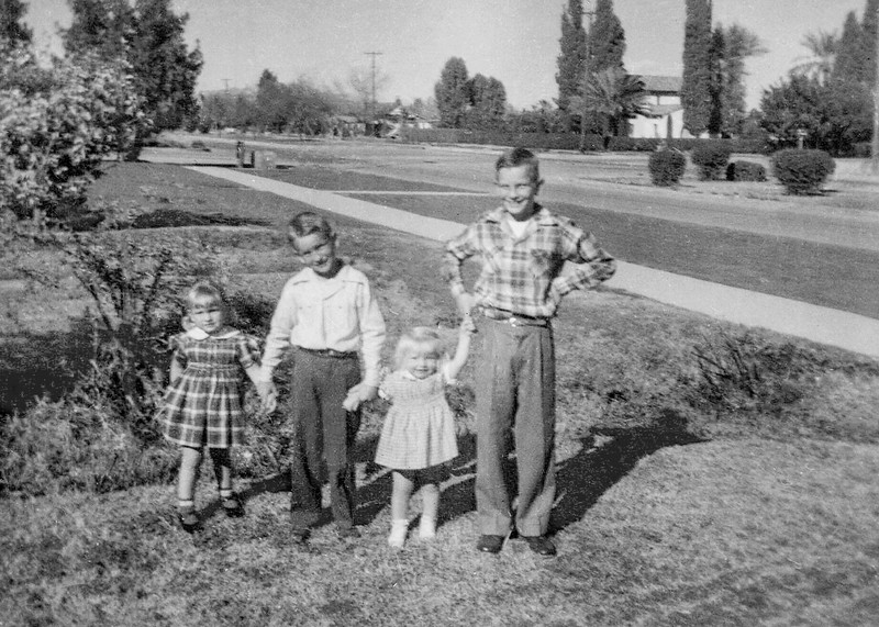 1952c Norris, Ron, Victoria & Tamara_0001_a-EIP (Adjusted)