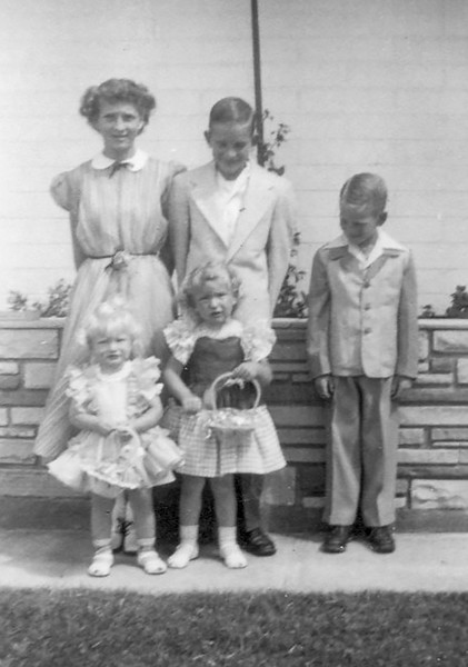 1952c Easter - Charlotte, Norris, Ron, Vici & Tami_edited-1