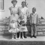 1952c Easter - Charlotte, Norris, Ron, Vici & Tami