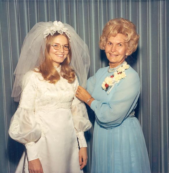 1972-01-28 Tami's Wedding -- Velva & Tami