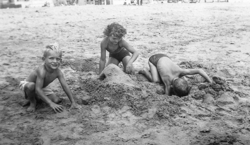 1948 Charlotte, Nollie & Ron at Santa Monica_0002 (Adjusted)