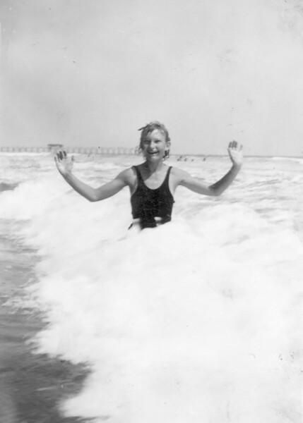 1934 Velva at Long Beach_0001