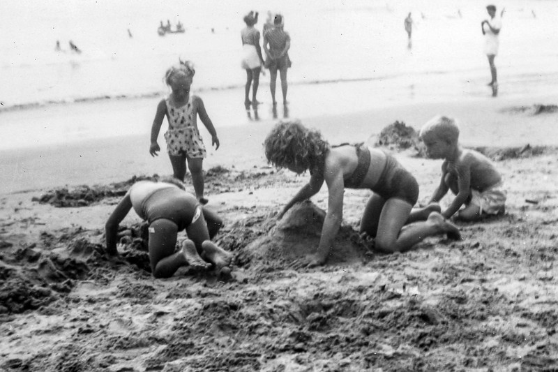1948 Charlotte, Nollie & Ron at Santa Monica_0001-EIP (Adjusted)