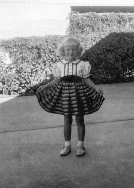 1954-09 Tamara - 4th Birthday_0001_a-EIP (Adjusted)