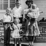 1952 Charlotte, Nollie, Ron, Victoria & Tamara_0003-EIP (Adjusted)