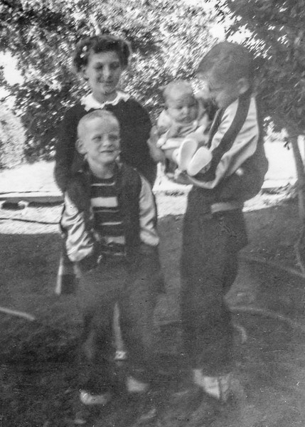 1949 Charlotte, Nollie, Ron & Victoria_0010-EIP (Adjusted)